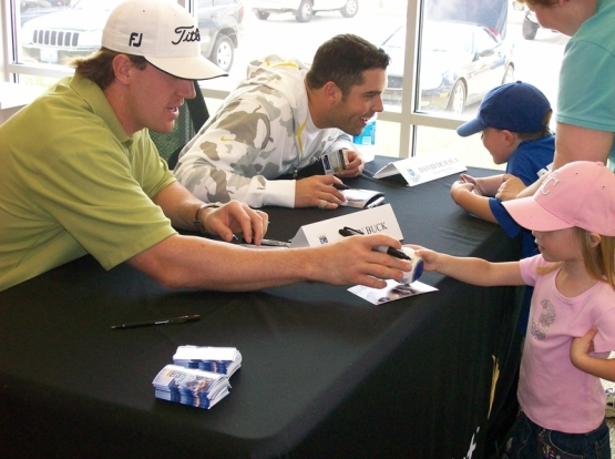 2007_dejesus_talking_to_kids