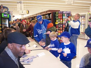 Royals Central Caravan Jeff City Hy-Vee 2009 030.jpg