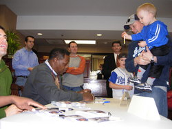 Caravan 2007_Big John Mayberry signing.jpg