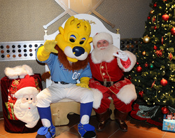 Sluggerrr_holiday_party_7269.jpg